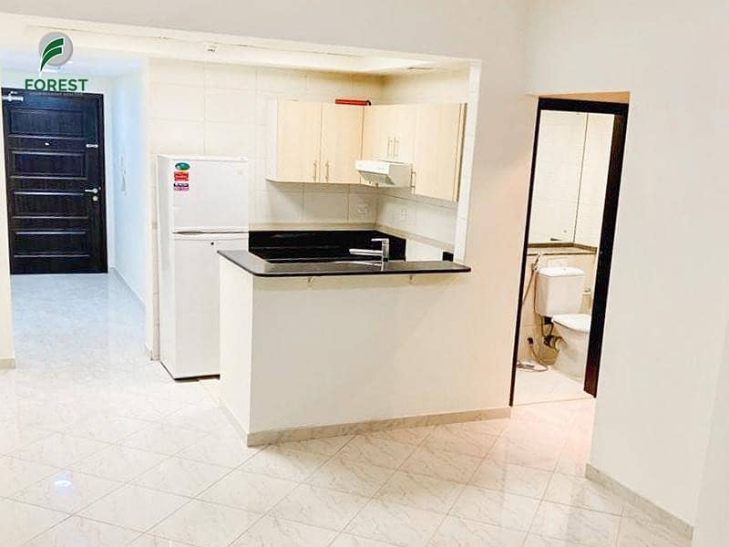 2 Luxury | 1BR APT | Well Maintained | Low Floor