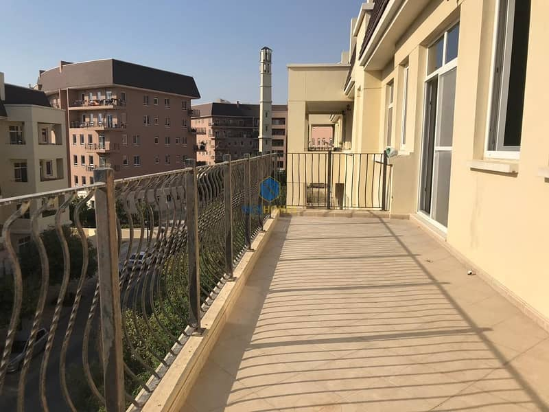 11 Beautiful Maintained 2 Bed Room - Best Price