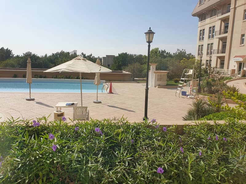 POOL VIEW-VERY BRIGHT SPACIOUS 2 BED ROOM HALL
