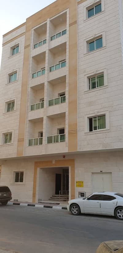 1 Bedroom Flat for Rent in Al Nuaimiya, Ajman - For annual rent in Ajman, a room and a hall in Al Nuaimia 1 area with 2 bathrooms, balcony and kitchen. Large area and central air conditioning close to all services. Very large spaces. Super Lux finishing in a new building