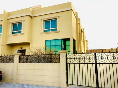 4 Bedroom Villa for Rent in Mohammed Bin Zayed City, Abu Dhabi - Private Yard Villa in Compound AED 120k