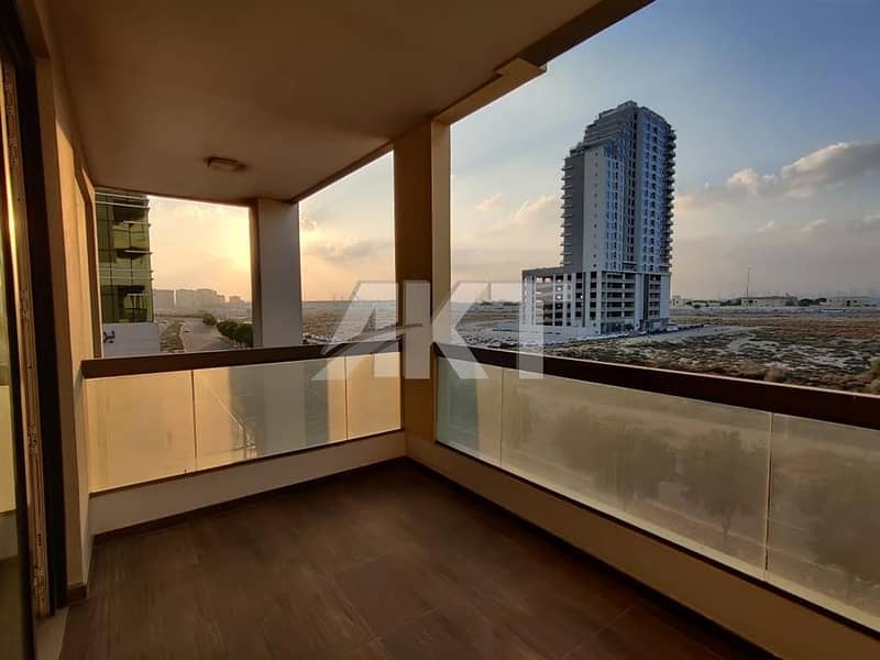 2 98 K / 4-6 cheques / Duplex 3 Br + M + S / unfurnished / Nice Layout / Sunshine Residence 2 / Silicon Oasis