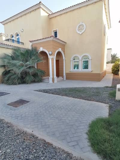 Rent 140K, Small Legacy 3Bed Room+Maids, in Jumeirah Park District 8, away from cable call o5o2828031
