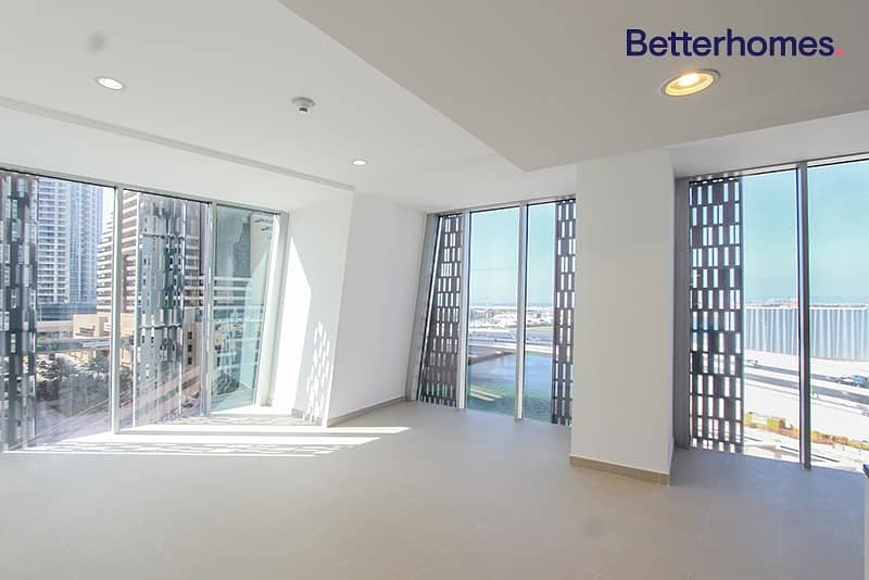 2 Sea View|Low Floor|Unfurnished |White Goods