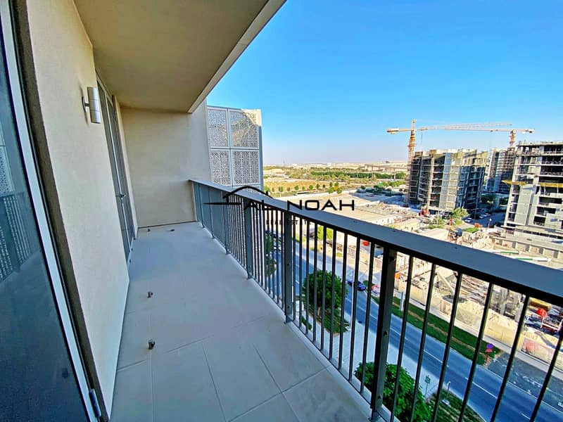 Awesome deal! Up to 12 Cheques! Contemporary Apt   Spacious Layout!