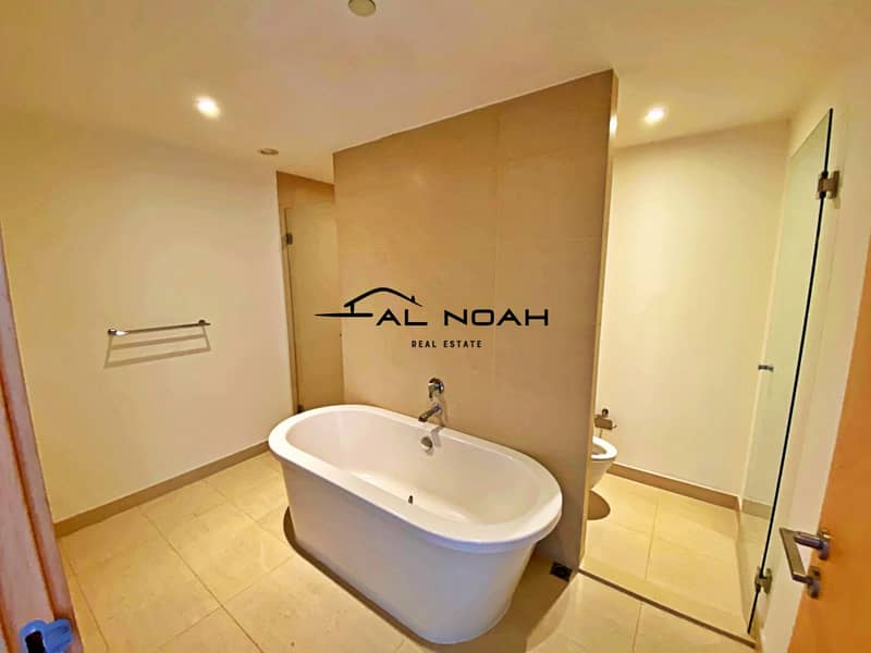 13 Awesome deal! Up to 12 Cheques! Contemporary Apt   Spacious Layout!