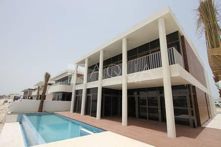 5 Bedroom Villa for Sale in Palm Jumeirah, Dubai - Custom Built Garden Home Villa | Amazing Unit
