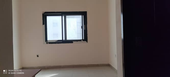 1 Bedroom Flat for Rent in Muwaileh, Sharjah - LAVISH OFFER 1 BEDROOM BIG HALL ONLY 16K AT PRIME LOCATION