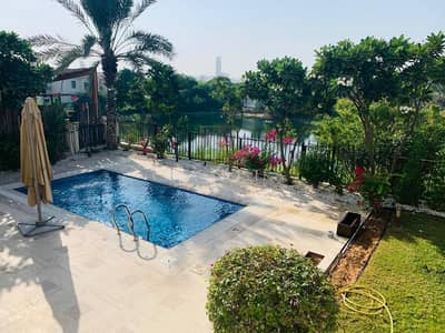 4 Bedroom Villa for Rent in Jumeirah Islands, Dubai - Fully Upgraded Garden Hall 4BR+Maid with Lake View