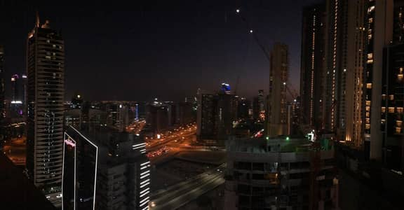 2 Bedroom Flat for Sale in Downtown Dubai, Dubai - Vacant Furnished | 2BR For Sale in The Signature Downtown|Call Now!