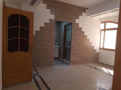 فلیٹ 1 غرفة نوم للايجار في المشرف، أبوظبي - 1 bedroom flat with legal tatweeq no commission fee and permit mawaqeef