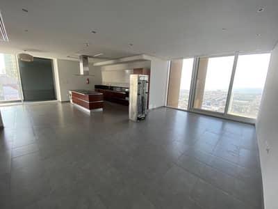 شقة في شارع الشيخ زايد 2 غرف 130000 درهم - 4891495