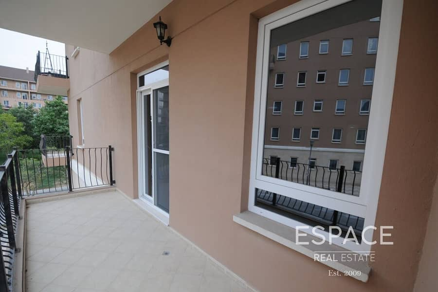 13 Corner 2 Bed | Spacious Unit | Great View