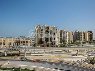 2 Bedroom Apartment for Rent in Palm Jumeirah, Dubai - Spacious Layout | Atlantis View | Maid's Room