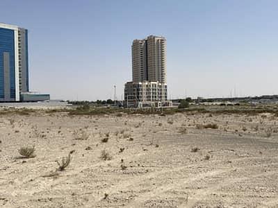 ارض تجارية  للبيع في دبي لاند، دبي - Investor Deal | Prime Location | G + 8