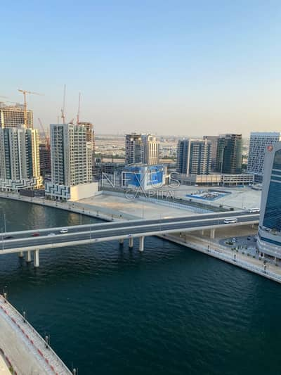 Studio for Rent in Business Bay, Dubai - Luxurious | Elegantly Furnished Studio | Canal View | Panoramic