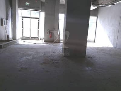 محل تجاري  للايجار في قرية جميرا الدائرية، دبي - Road Facing Unit | Great Location | Brand New