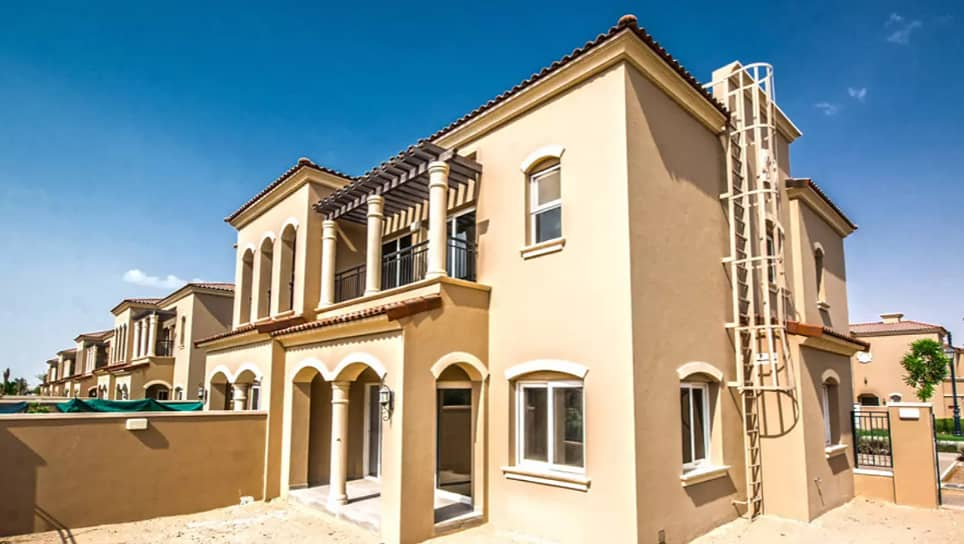 Beautiful 3 BR Single Row villa in Casa Dora for rent ready to move in