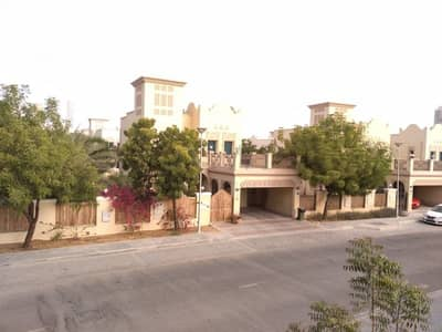 2 Bedroom Villa for Rent in Jumeirah Park, Dubai - Located in quite Street | Close to school | close to exit | just ideal |