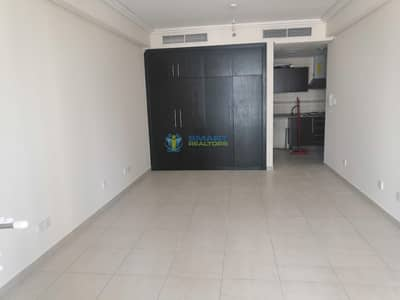 Studio for Rent in Jumeirah Lake Towers (JLT), Dubai - Spacious Studio Best Layout With Balcony
