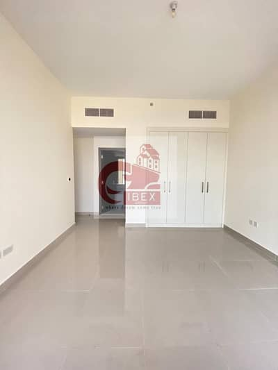 2 Bedroom Flat for Rent in Bur Dubai, Dubai - Chiller free Month free new building 2bhk both masters now in 60k jaddaf