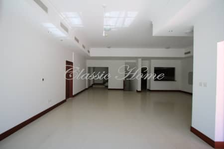4 Bedroom Townhouse for Rent in Palm Jumeirah, Dubai - Huge 4 Bed Townhouse Plus Maids Partial Sea View in Golden Mile 6