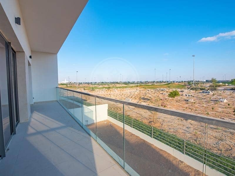 Fantastic golf frontage with views - move in now!