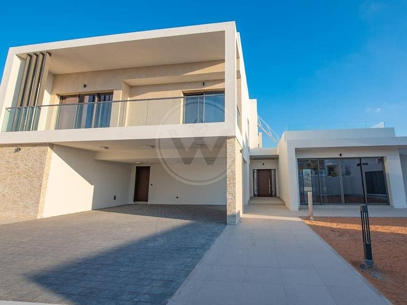 15 Fantastic golf frontage with views - move in now!