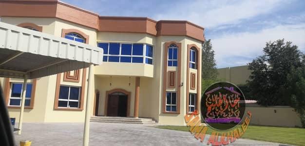 فیلا 5 غرف نوم للايجار في البرشاء، دبي - فيلاايجاردزين عربيي تشطيب شخصي