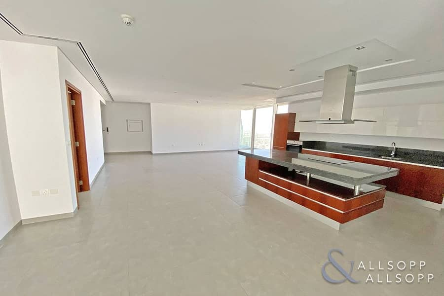 2 Sea View | Largest Layout 1 Bed | Balcony