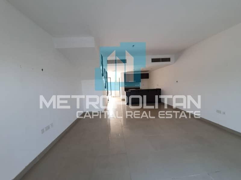 2 Large Bright Lay Out | Wonderful Single Row Villa