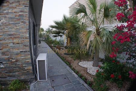 4 Bedroom Villa for Rent in Jumeirah, Dubai - COZY / BEAUTIFUL / GARDEN/ MAID ROOM