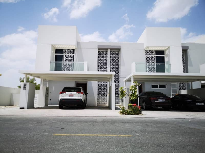 Corner unit |Investors Deal| Rented| For sale 3BR