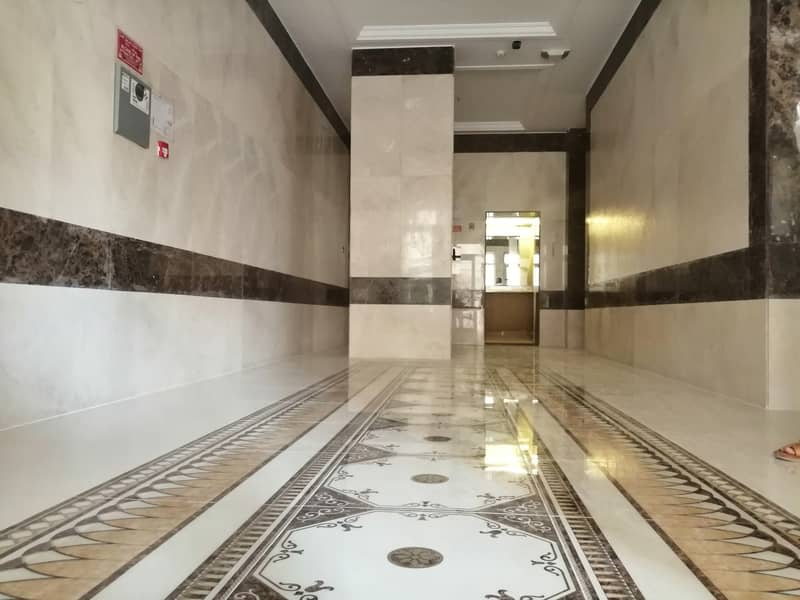 mix building in  Rumaila brand new for sale G+2PARKING+6 FLOORS