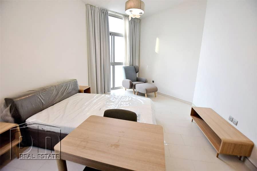 10 -Very Spacious Studio Apartment Vacent Now