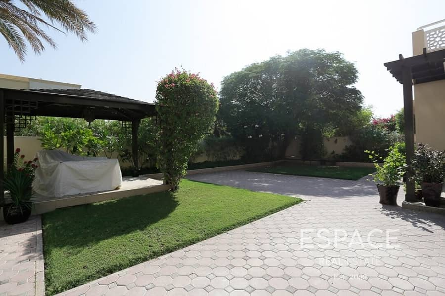 2 Immaculate | Upgraded | Opposite the Pool