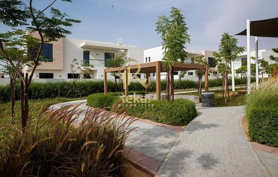 60 Amazing Deal 3 Bedrooms villa for sale