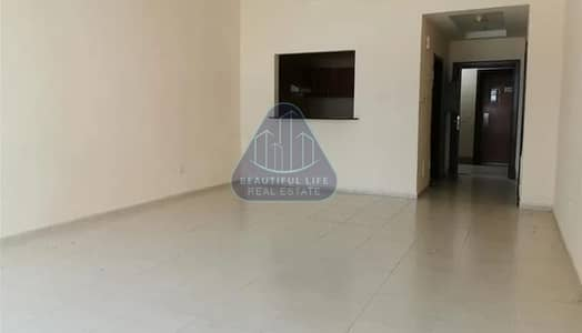 1 Bedroom Apartment for Sale in Dubai Sports City, Dubai - LOWEST PRICE | MASSIVE 1 BHK | AMAZING VIEW | WELL MAINTEINED BUILDING