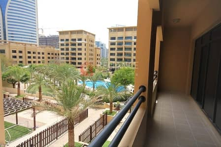 3 Bedroom Apartment for Rent in The Greens, Dubai - Pool Side view 3 Bed + Laundry for Rent - A/C Free