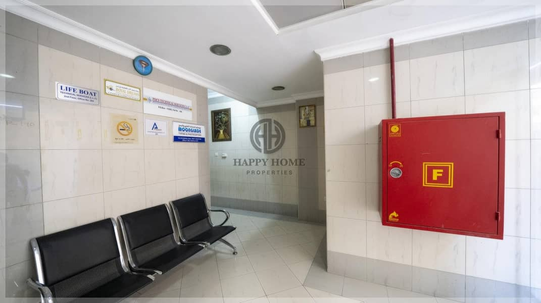 4 LARGE LAY OUT SHOWROOM - PRIME LOCATION IN KARAMA