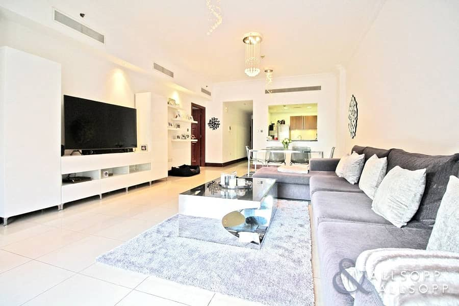 New & Exclusive | 1 Bed | Close to Mall