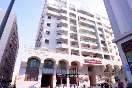 محل تجاري  للايجار في ديرة، دبي - Shop Located in Crowded Area in Deira   Ideal for Start Up Business
