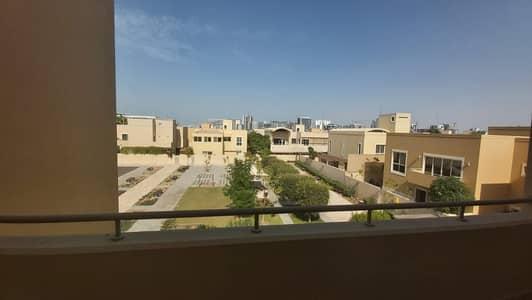 3 Bedroom Villa for Rent in Al Raha Gardens, Abu Dhabi - Well Maintained 4 bedrooms Villa with Huge Garden