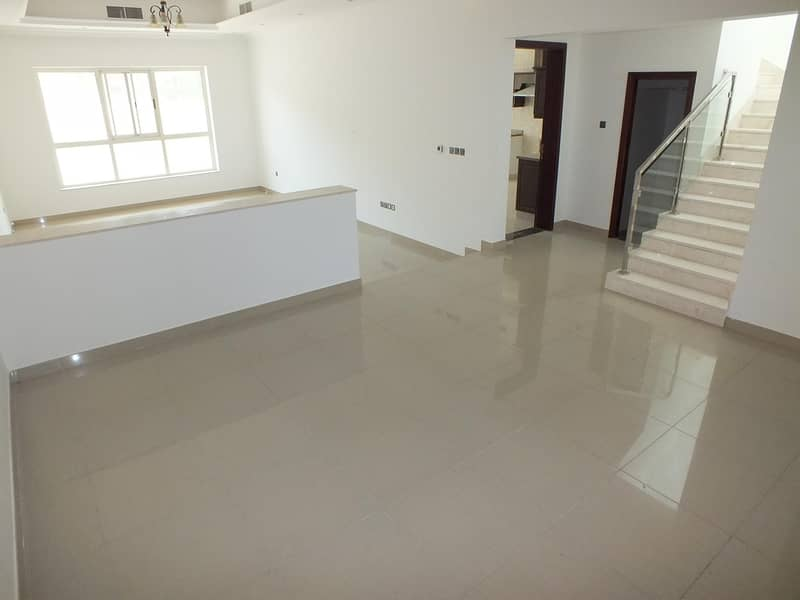2 Semi independent 4bhk villa in manara rent is 180k
