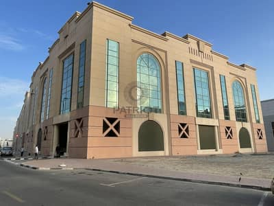 Building for Rent in Al Garhoud, Dubai - RESIDENTIAL BLD | FOR COMPNAY STAFF | NO COMMISSION |