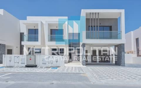 4 Bedroom Villa for Rent in Yas Island, Abu Dhabi - Golf View Villa Unmatched Quality &Facilities;