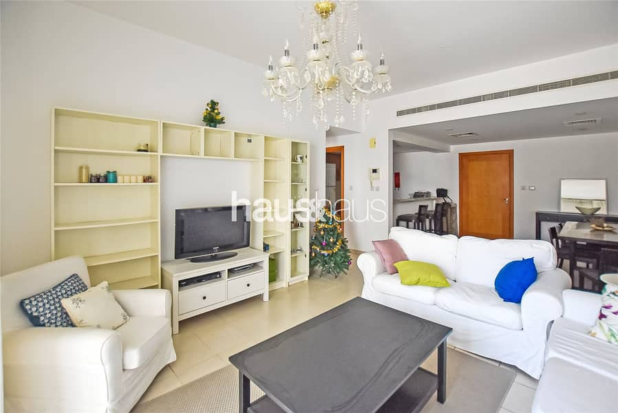 10 Spacious One Bed | Pool View | Over 815 sq.ft