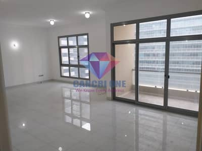 فلیٹ 3 غرف نوم للايجار في الخالدية، أبوظبي - 3BHK with balcony! parking and corniche view