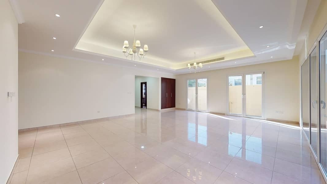 2 AED 1000 commission only | Well maintained | Private pool