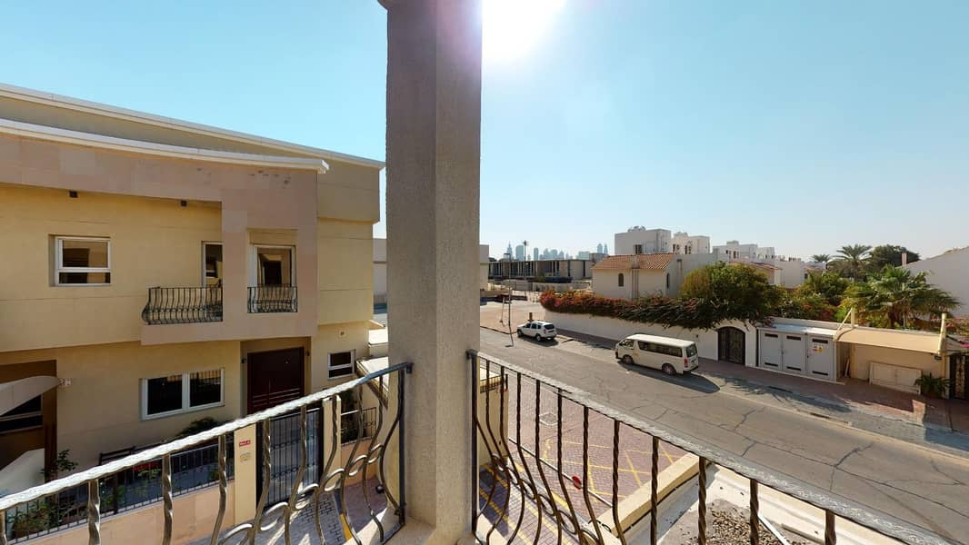 26 AED 1000 commission only | Well maintained | Private pool